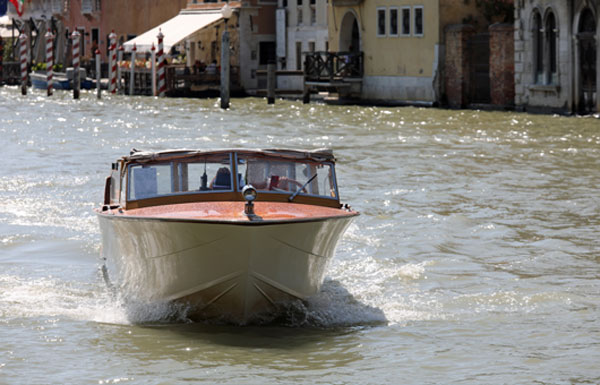 Venice water taxi: Private WaterTaxi transfers from & to Venice Airport to your hotel, Custom transfer reservation, Private boat limousine service